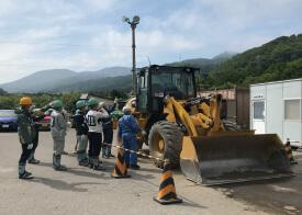チェーンソーや林業機械など就業に必要な資格を取得します